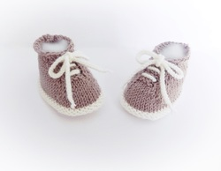 Handknit booties by StarBaby Designer Knitwear, Desert Booties, www.starbabyknitwear.com
